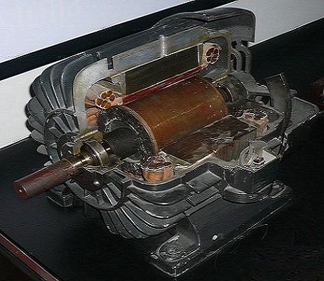 Асинхронный двигатель, собранный Теслой