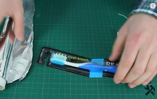 вибрирующая зубная щетка