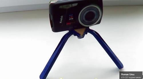 штатив для фото из одноразовой бритвы