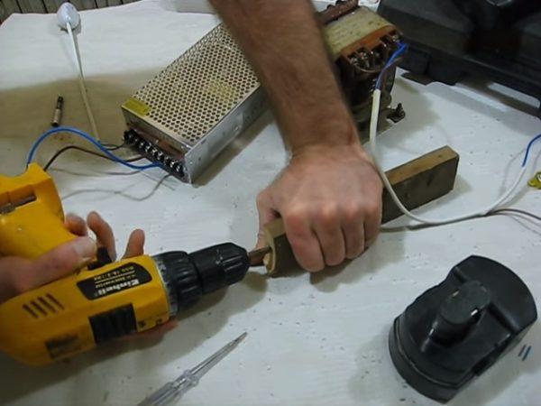 Переделка шуруповерта на сетевой своими руками 970