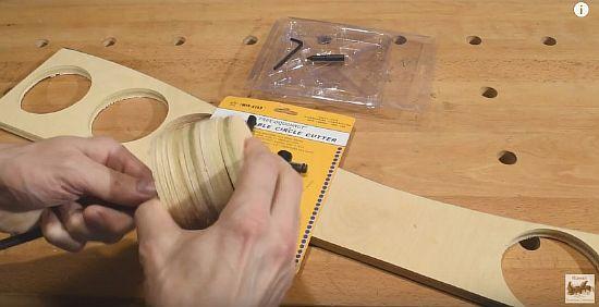 Как сделать небольшое отверстие в натяжном потолке