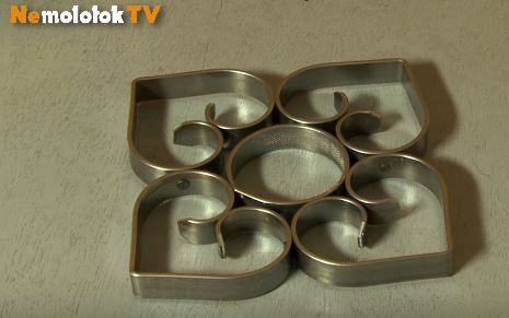 Подставка для посуды холодной ковкой
