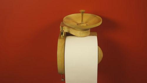 прикольный держатель туалетной бумаги