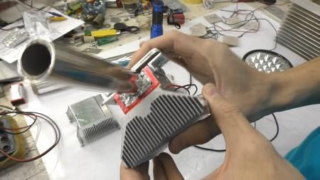 Генератор Пельтье на батарее отопления