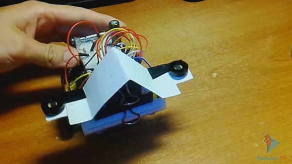 Робот на солнечной батарее