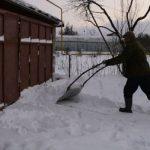 Волокуша для уборки снега руками