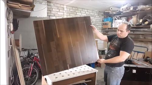 Стол из ламината