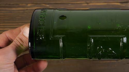 Как просверлить стеклянную бутылку в домашних условиях
