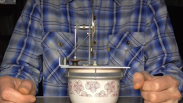 Мотор Стирлинга из манометра
