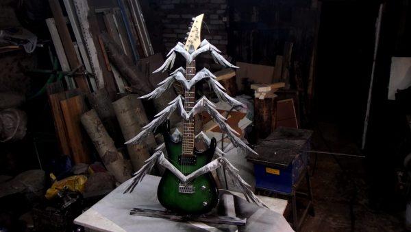 Новогодняя елка в музыкальном стиле