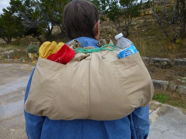 Как сделать из пары штанов рюкзак в эксртемальной ситуации