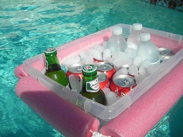 Самодельный кулер для напитков в бассейне
