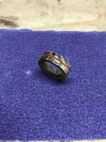 Деревянное обручальное кольцо: идея мастера