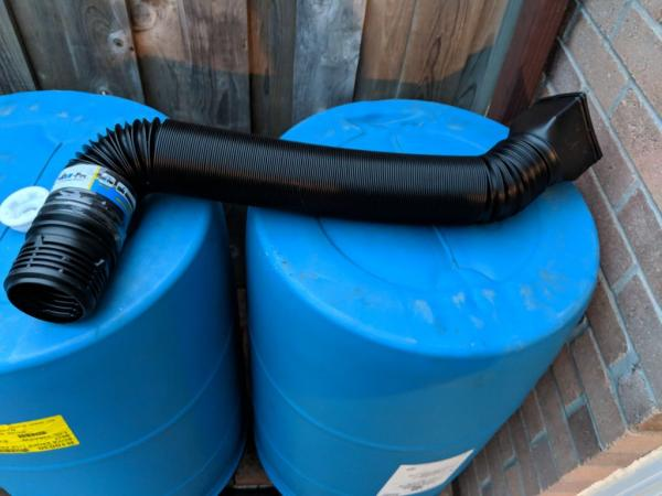 Дождевая бочка для полива сада