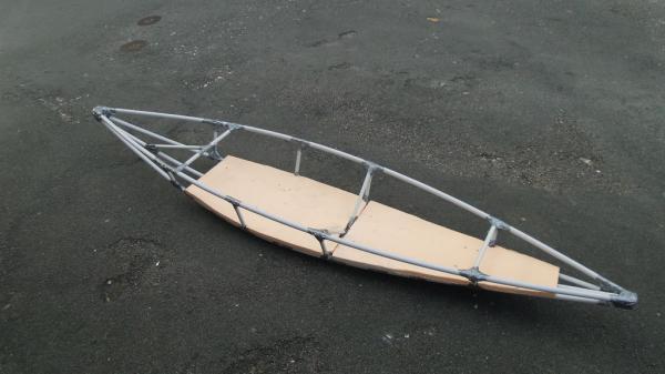 Лодка из подручных материалов