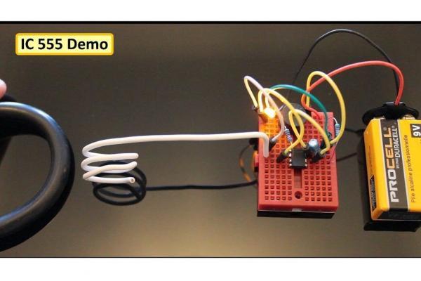 Бесконтактный детектор напряжения своими руками